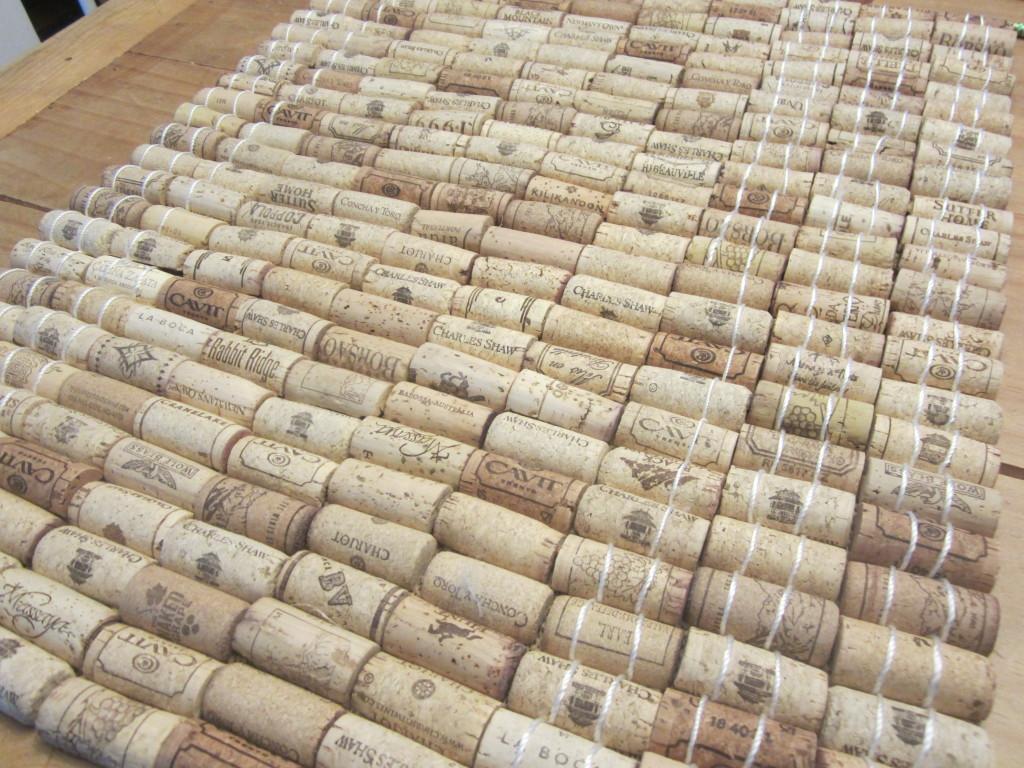 Wine cork mat, half sewn