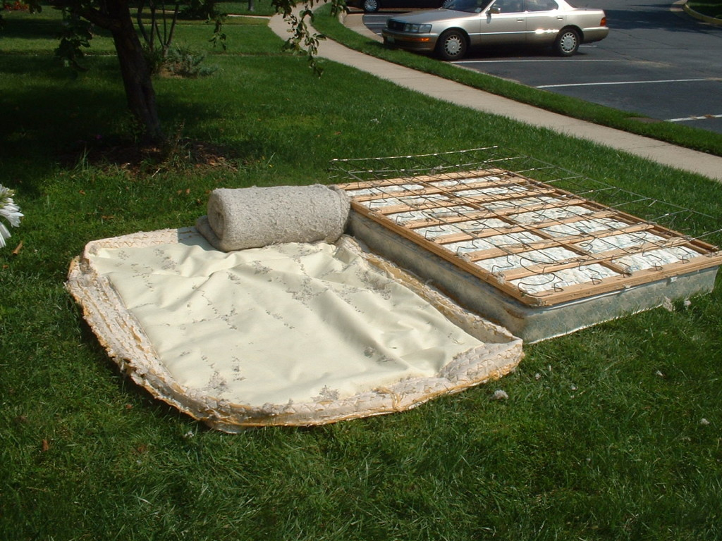 recycling a mattress and box spring trashmagination. Black Bedroom Furniture Sets. Home Design Ideas
