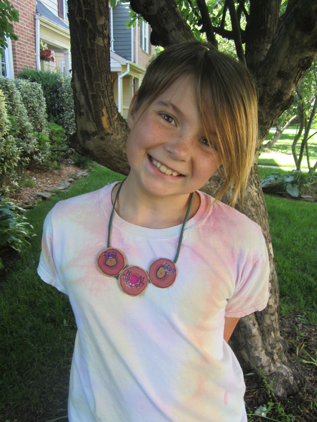 Reversible Cardboard Necklace