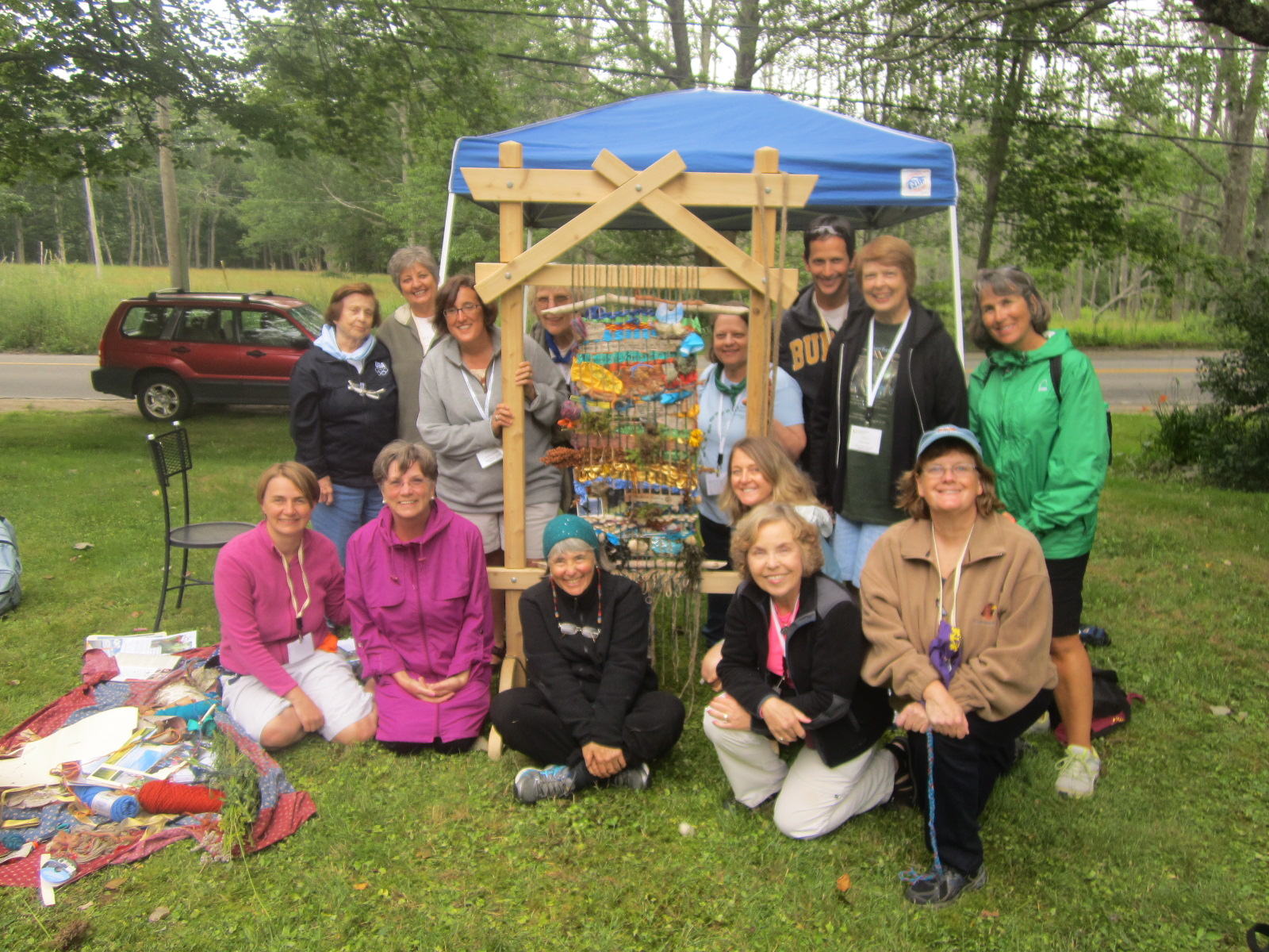 Summit group with Weaving a Life loom