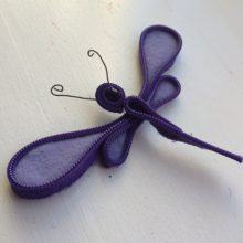 Dragonfly craft made from broken zipper and wool felt by Trashmagination