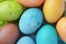 Dyed Eggs photo by Breakingpic on Pexels