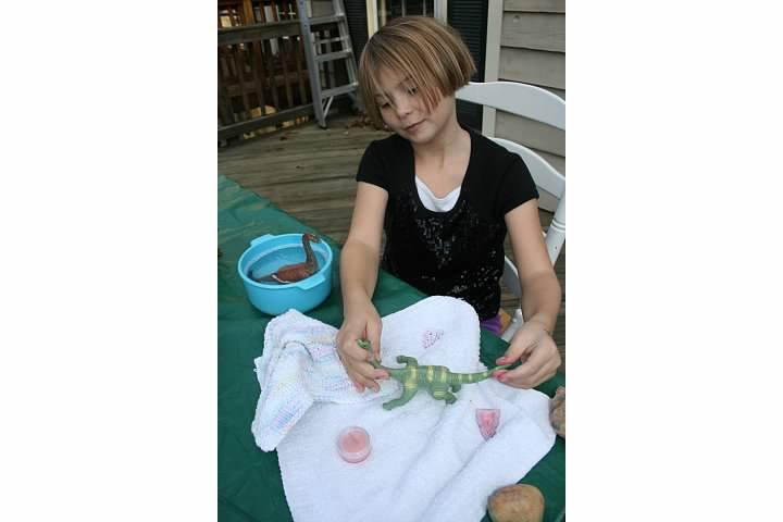 "Nora invents an outdoor activity called ""Dino Spa,"" November 2011"