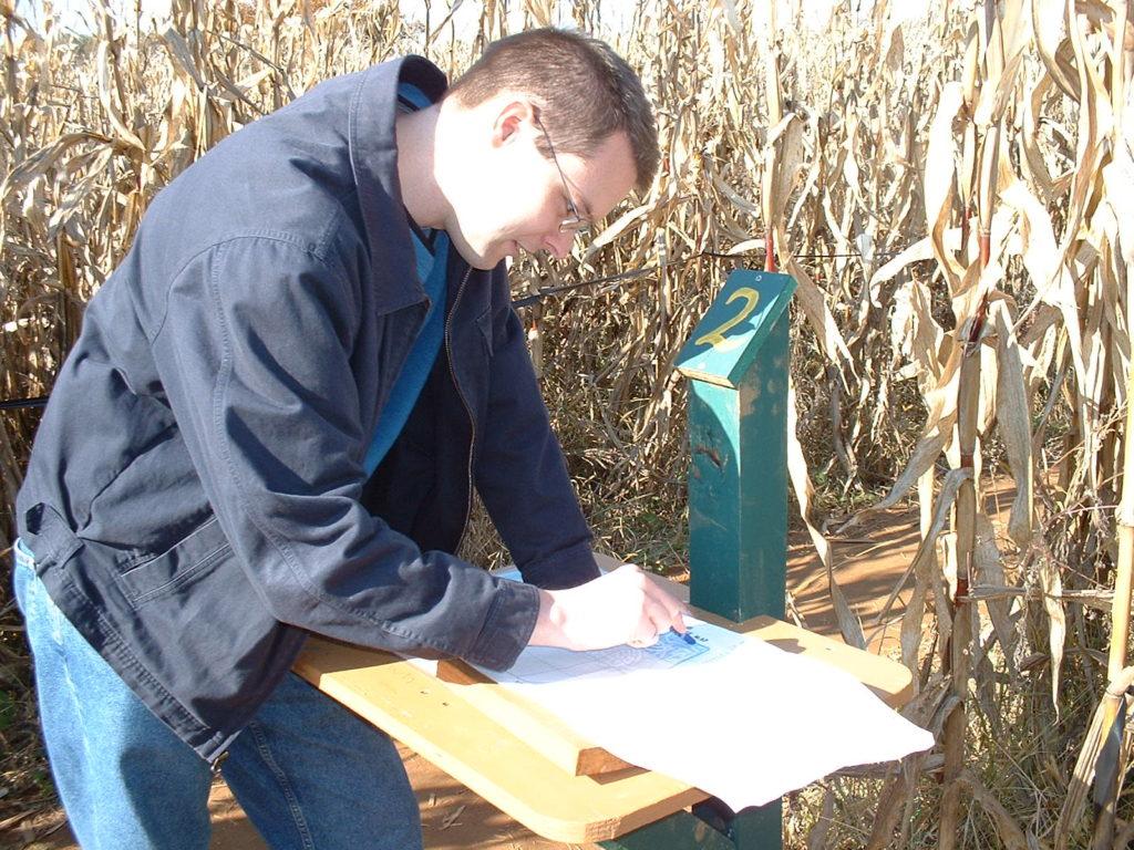 Map Station in Corn Maze - Wood Scrap Ideas