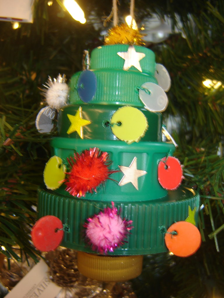 Christmas Tree from Green Plastic Caps made by Trashmagination