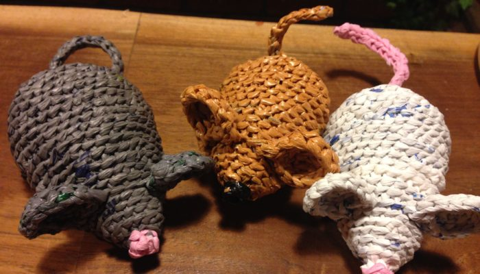 Nicole Betters mice cat toys crocheted from plastic bags - franssimsstuff
