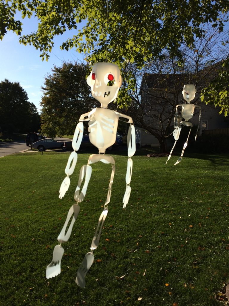 Skeleton Halloween decorations from recycled milk jugs