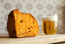 A chunk of brown bread with a glass of beer - photo by Gianluca Gerardi